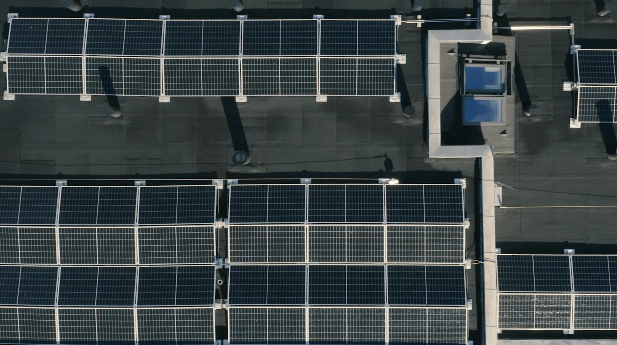 Solceller til erhverv på tag